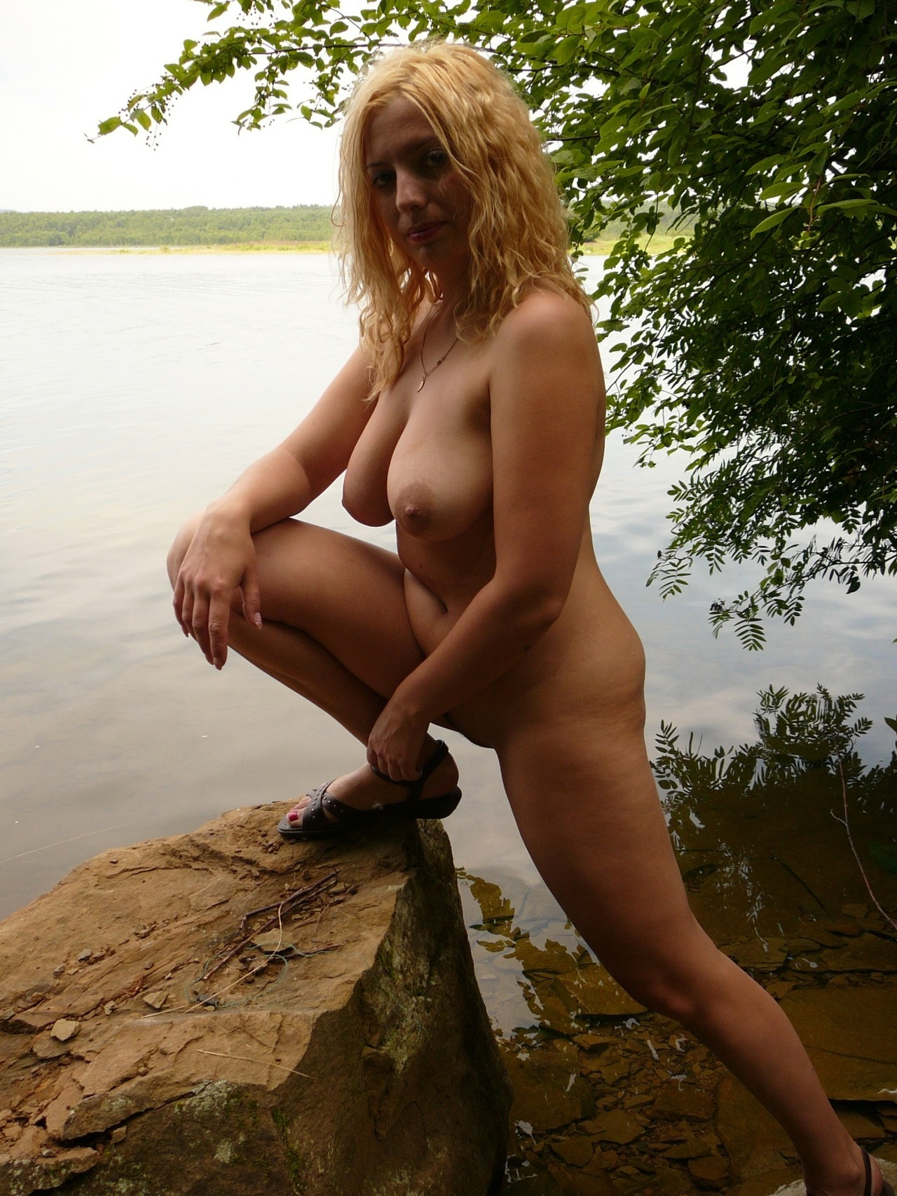 Русская красавица на отдыхе порно 14 фотография