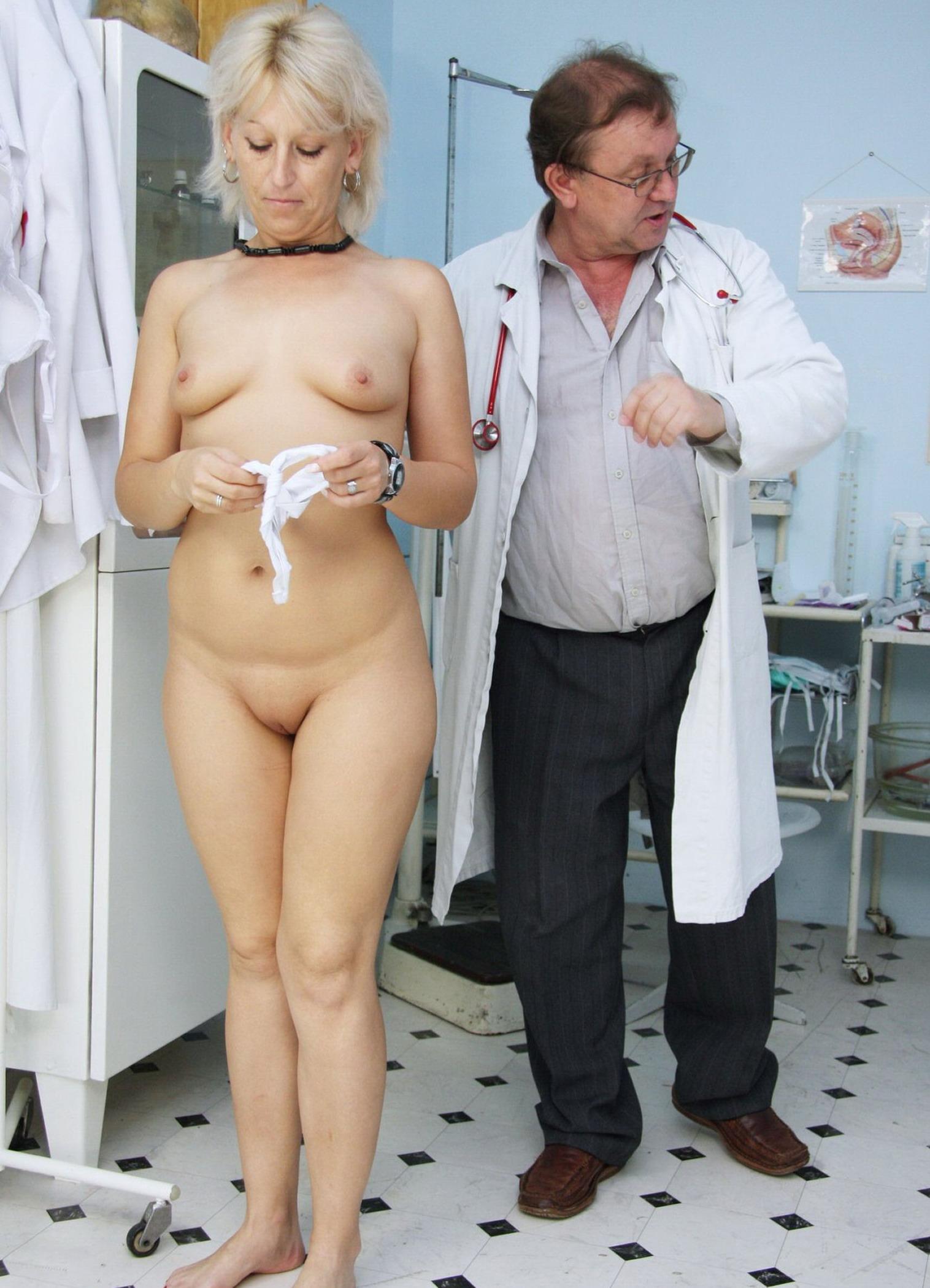 Фото зрелая у гинеколога 1 фотография