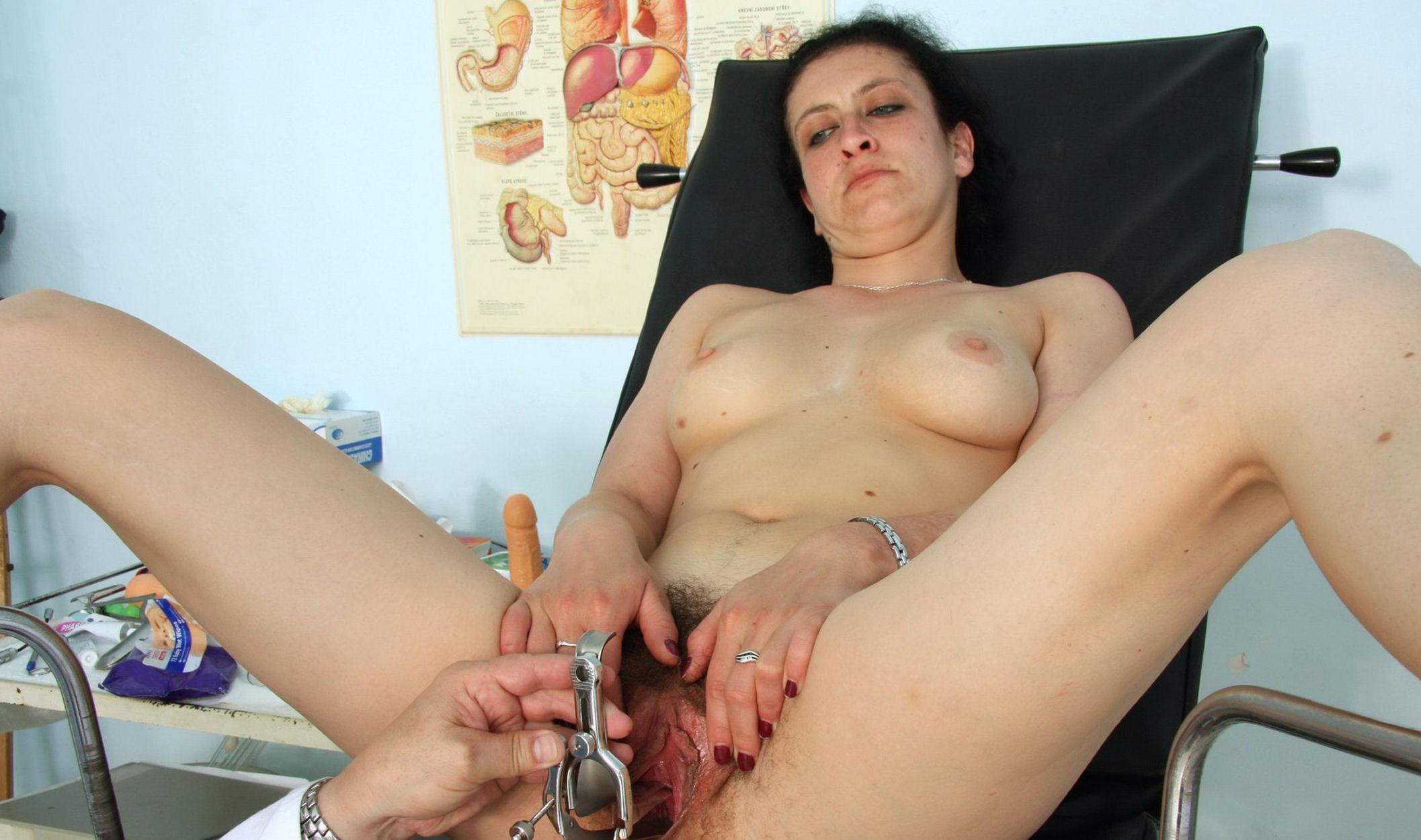 сиськи член вагина у гинеколога фото