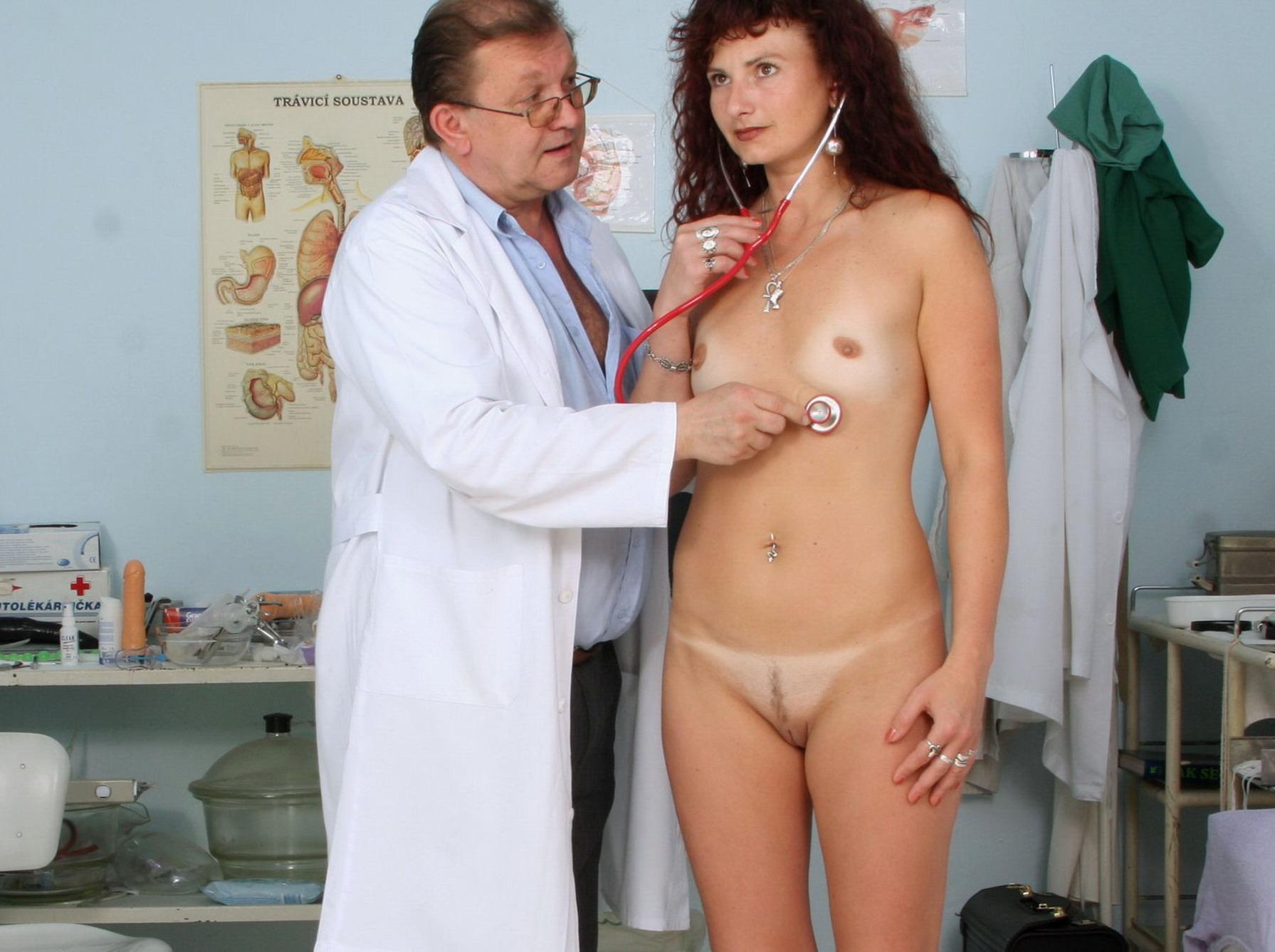 фото голых баб с пухлой фигурой