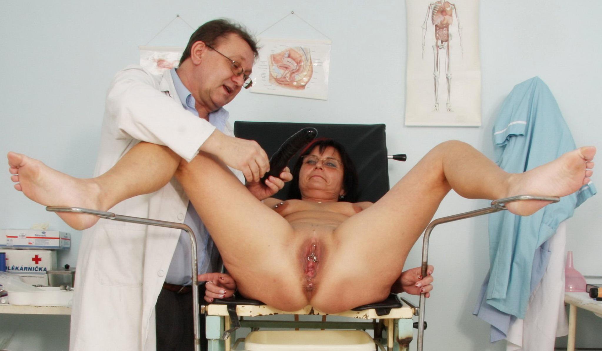 Толстая на приёме у гинеколога 8 фотография