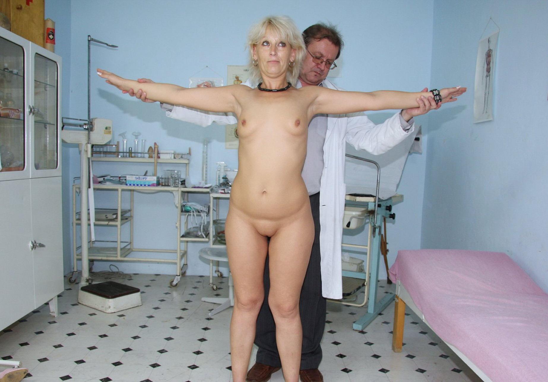 Фото огромных сисек у гинеколога 23 фотография