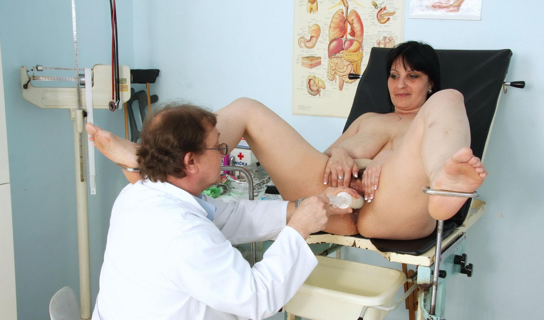 Толстая на приёме у гинеколога 22 фотография