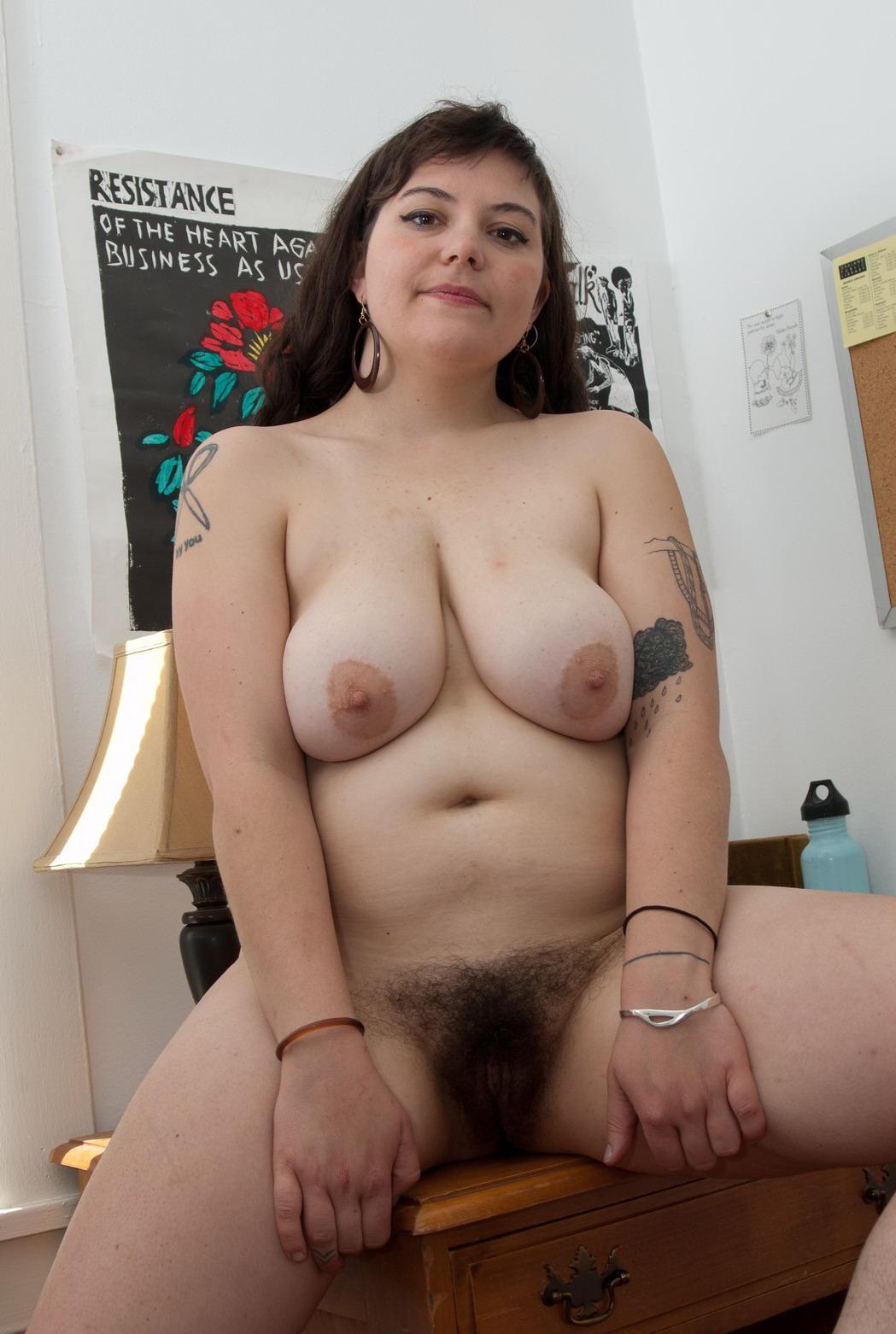 толстая с волосатой пиздой