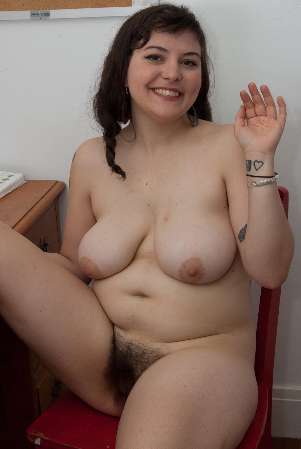 Порно полненькие с волосатой писей фото 652-444