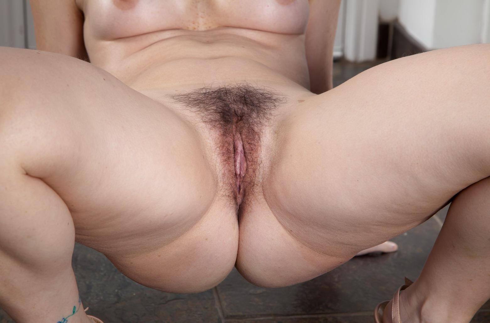 Фото секса между ляжек 8 фотография